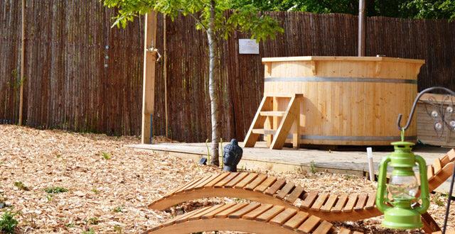 tinozza in legno con idromassaggio